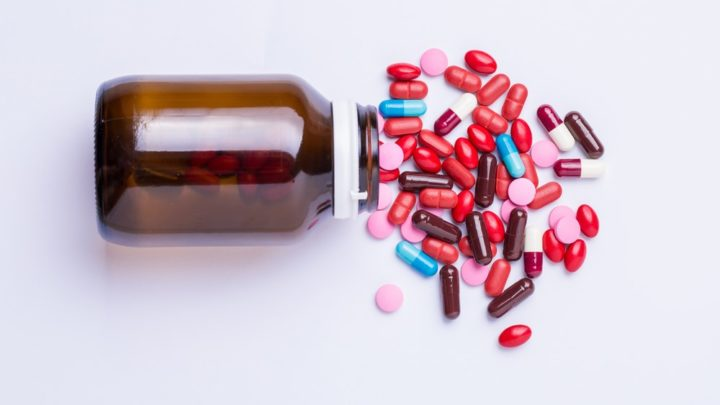 Клеверол - препарат основанный на фитоэстрогенах. Полезные свойства красного клевера помогают пережить симптомы менопаузы. Рекомендации и полезная информация