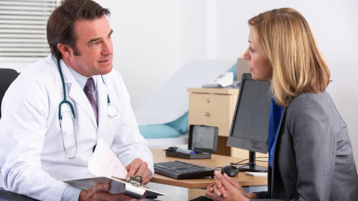 Период менопаузы некоторым женщинам достаточно сложно пережить. Основные симптомы климакса постоянно дают о себе знать. Поможет гинеколог.