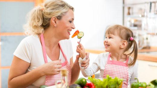 Витамины групп С, А, Д и К оказывают невероятное влияние на организм. Какие овощи и фрукты содержат эти витамины, чем они помогут и другие полезные советы внутри